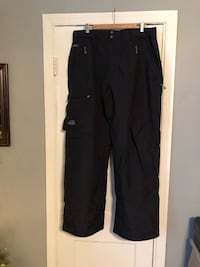 Mens North Face HyVent pants size XXL new never worn excellent condition! Originally paid over $180 46 km