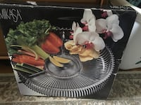 Mikasa glass serving dish New Carrollton