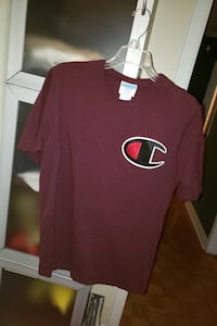 Champion Big C Burgundy TShirt - Men's Medium  Mississauga, L4W 1V5