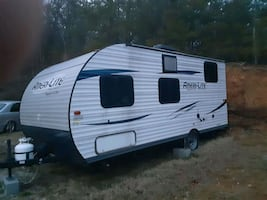 2016 travel trailer  very nice MUST SEE!!!