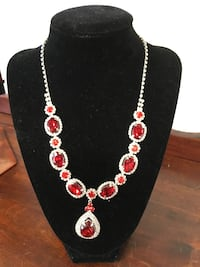 Costume Red Blingy Necklace Atascadero, 93422