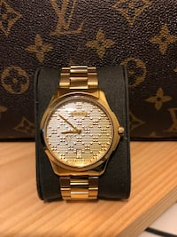 GUCCI  38MM G-Timeless Bracelet Watch TORONTO