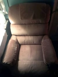 Like new recliner  Frederick, 21702