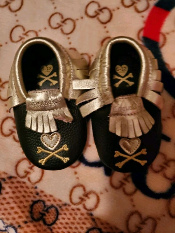 Baby shoes dcdd593d-7fdc-4923-8ad6-fc25c1d243f6