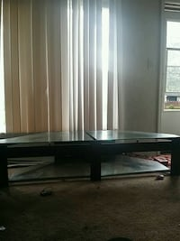 TV stand Lincoln Park, 48146