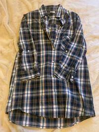 Checkered 3/4 sleeve button down top- Size M Toronto, M5T 2P4