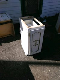 white and black wooden cabinet Tacoma, 98408