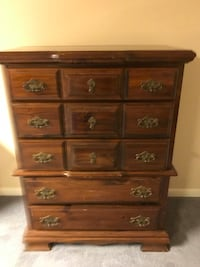 Chest of drawers  Guilford Hills, 17202