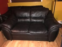 2 leather sofas (2x3 seater) genuine leather   789 km
