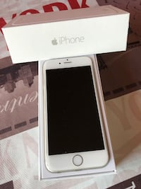 iPhone 6 in argento con scatola