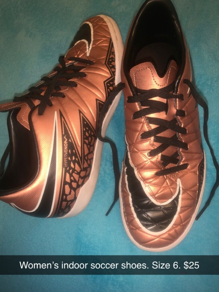 Photo Women's indoor soccer shoes. Size 6.