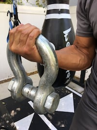 Crossfit strongman Titanic steel workout shackles great addition to any Gym Los Angeles, 91343