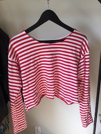 white and red stripe scoop-neck long-sleeved crop top