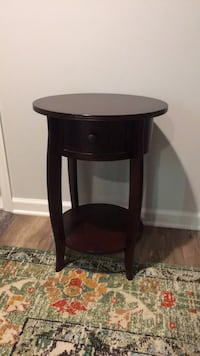 Pottery Barn kids side table Vienna, 22182