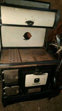 Triumph wood cooking stove Sarnia, N7T 2S1