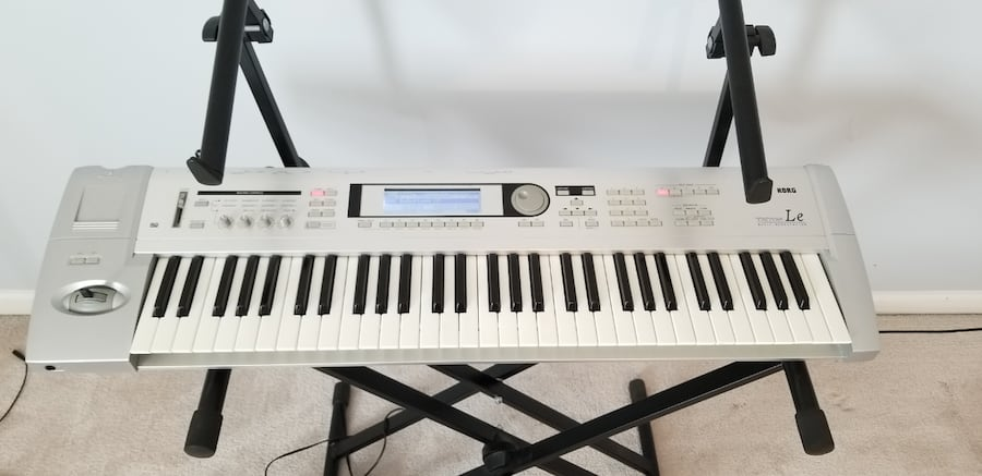 Korg Triton LE 61 Keyboard  Excellent Condition  0