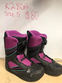 black-and-pink leather boots Spruce Grove, T7X 0B5