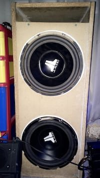"2 10"" JL Audio Subs No box Ajax, L1T 3R1"