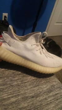 pair of white Adidas Yeezy Boost 350 Wichita Falls, 76309