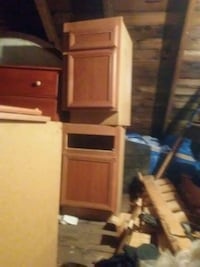 3 Vanities and 6 cupboards.   Castle Rock, 98611