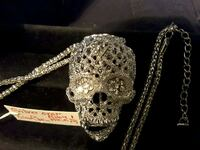 Necklace Silver Skull. I have Gold Color also