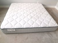 King mattress pocket coil kingsdown. Delivery 50$ Edmonton, T6L 0A3