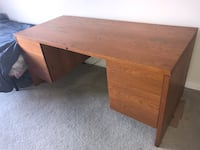 PICK UP ONLY: Office table with drawers Farmington Hills, 48335
