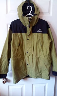 WOMENS  SHELL TYPE JACKET SIZE LARGE $8.00  Central Okanagan