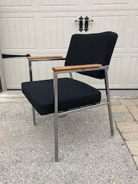 Mid-century accent / guest chair mint condition Vaughan, L6A 2S3