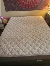 Queen mattress set Las Vegas, 89117