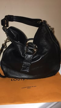 Gucci Black Pebbled Leather Wave Large Hobo Bag *Authentic* Brampton, L6Y 3G2