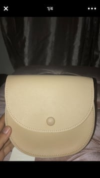 Beige leather fanny pack Los Angeles, 91331