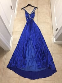 Prom/ Homecoming/ Ring Dance/ Military Ball/ Formal Dress Gown