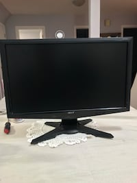 black Dell flat screen computer monitor Laval, H7G 3M4