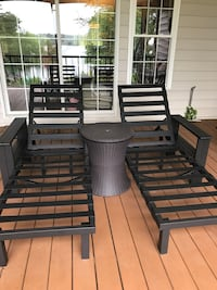 Outdoor Patio Chaise Lounge Chairs and Table