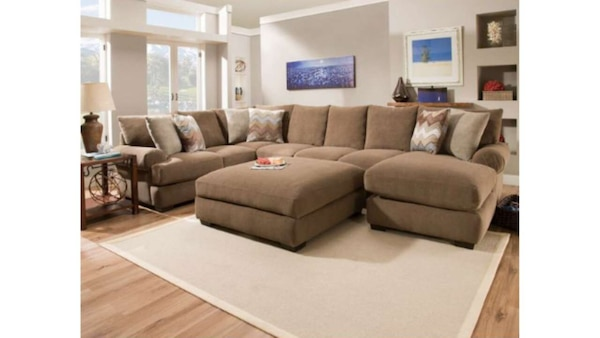 Awe Inspiring Hhgregg Corinthian Wynn Sectional And Ottoman Evergreenethics Interior Chair Design Evergreenethicsorg