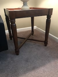 2 wooden end tables  Mount Pleasant, 29464