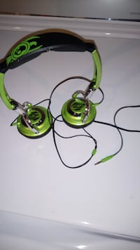 green and black Skullcandy headset Hamilton, L8H 6H8
