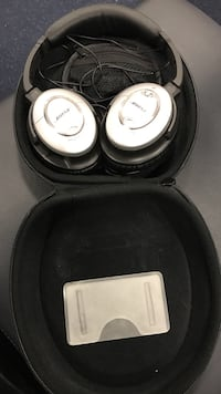 Bose Quiet Comfort 15 Noise Cancelling headphones Front Royal, 22630