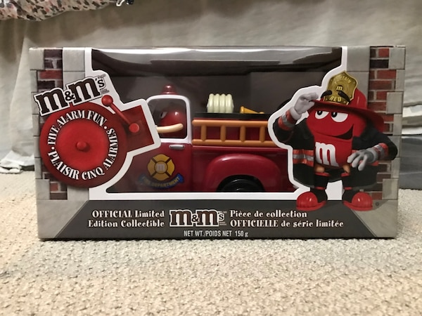 $100 OBO M&M Official Limited Edition Fire Truck Candy Dispenser  63f45fe3-cb60-4ac4-8cbc-fd0fe1c2542c