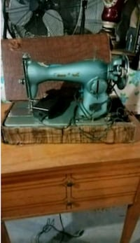 Old sewing machine Cleveland, 44106