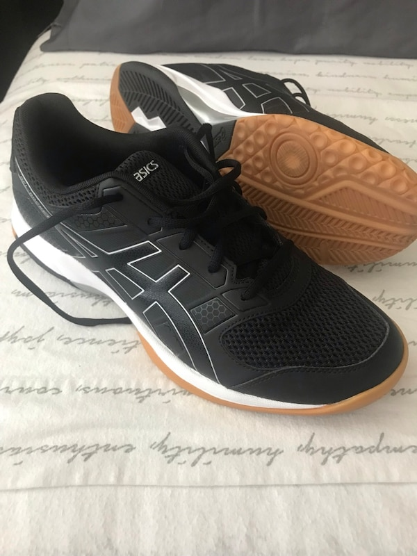 Used ASICS Gel Rocket-Size 11 Shoes Worn once indoors for sale in ... 503435d97
