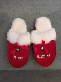 Ladies Happy Holiday Slippers - Size- Large Omaha, 68106