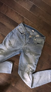 Womans true religion jeans Whitby, L1N 1Y1