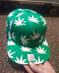 Green and white Snapback hat Surrey, V3R 1W7