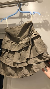 Wilfred silk ruffle skirt SIZE 0  Mississauga