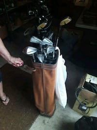 brown and black golf bag with golf clubs Fairland, 46126