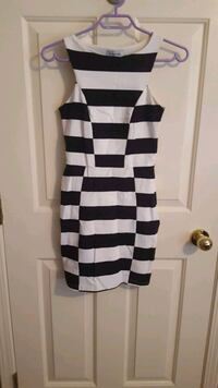 white and black stripe scoop neck sleeveless dress Victoria, V8Y 2T7