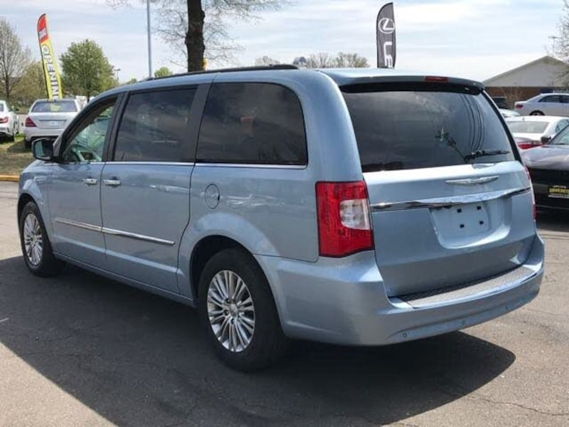 Chrysler - Town and Country - 2016 9