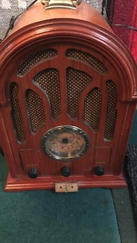 Antique radio. As is works great. Crosley Toronto